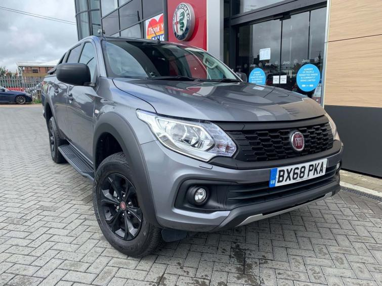Fiat FULLBACK 2.4 180hp Cross Double Cab Pick Up Auto  diesel special edition Double Cab Pick-up