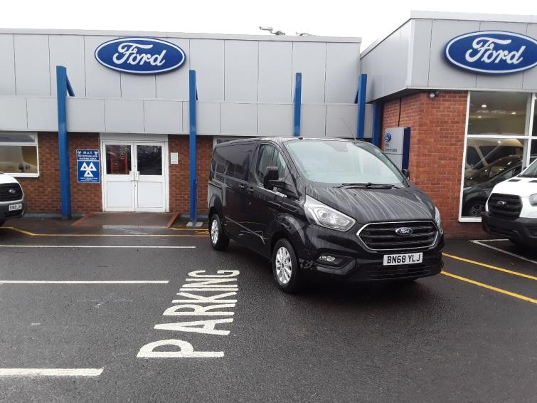 Ford Transit Custom 2.0 EcoBlue 130ps Low Roof D/Cab Limited Van  300 l1 diesel fwd Crew Bus