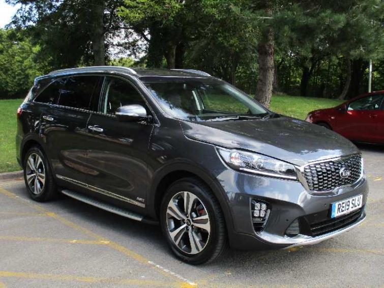 Kia Sorento review | Auto Express