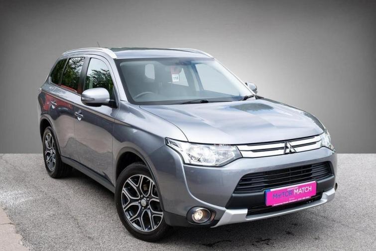 Long-term test review: Mitsubishi Outlander PHEV | Auto Express