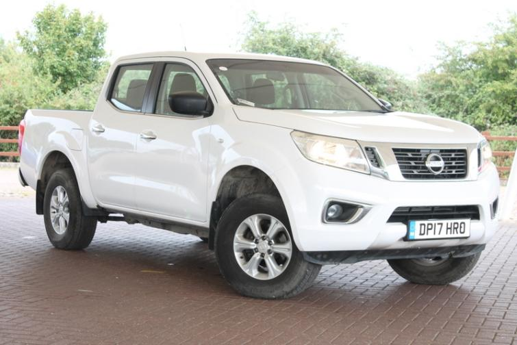 Nissan Navara Double Cab Pick Up Acenta 2.3dCi 160 4WD  diesel Double Cab Pick-up
