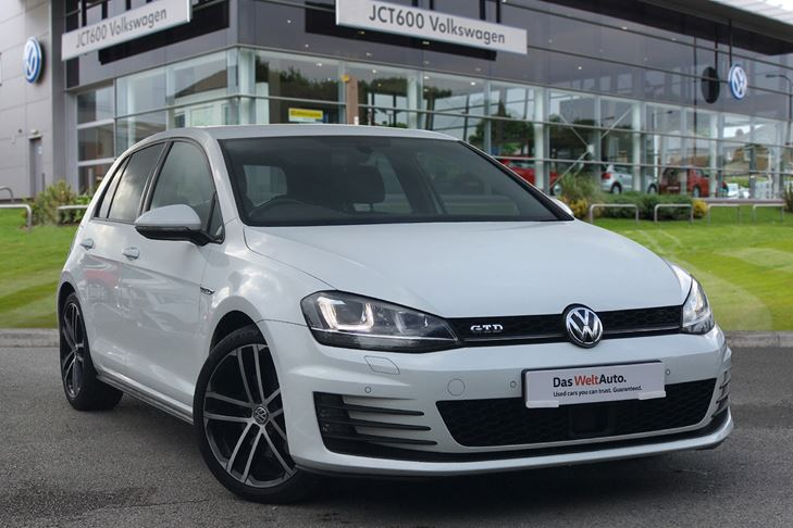 2019 Volkswagen Golf R review - the art of having your cake and