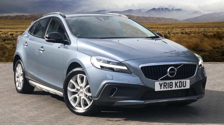 Volvo V40 review | Auto Express